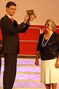 El director del Coro Neovocalis recibe su premio
