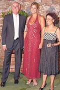 El vicepresidente de la Diputación Domingo Soler con la ex-presentadora del certamen Loreto Valverde